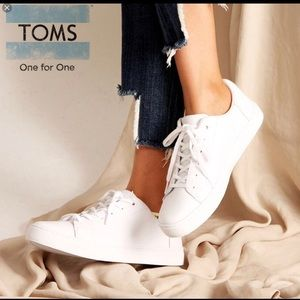 Awesome White Leather Toms